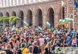 Намаляват полицаите на протестите в София, ръст на заразените в СДВР