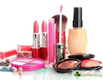 Открити са опасни бактерии в козметика и грим за лице