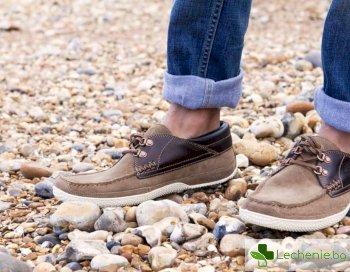 Лятна опасност за краката – избор на обувки за жегата