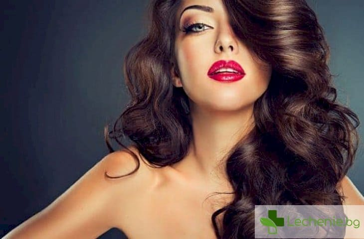 Топ 3 начина за възстановяване на косата след горещите летни дни