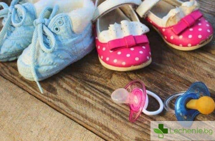 Розово за момиченца, небесносиньо за момченца - влияе ли цветът на дрехите на детето